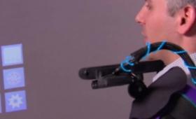 Microsoft présente un projecteur «multitouch» portable